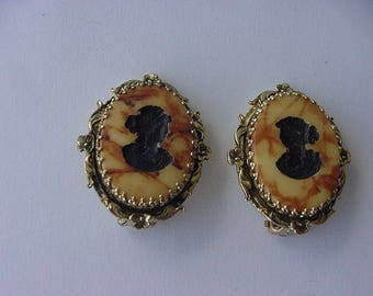 Carved Whiting and Davis Cameo Clipon Earrings, Goldtone, Brown/Tan Marbled Background, Costume Jewelry