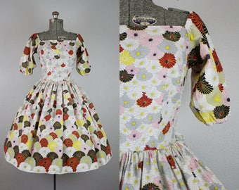 1960's Floral Puff Sleeve Dress / Size Small