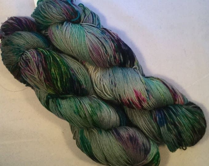 I C Spots - Light Olive - Fingering / Sock Yarn