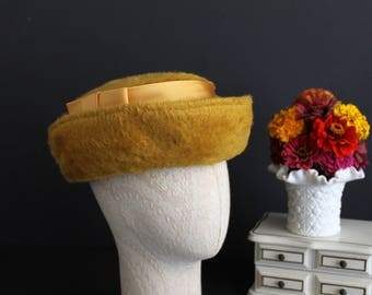 Vintage Golden Yellow Mystere Fur Ladies Hat With Satin Band and Bow Original Roberta Bernays