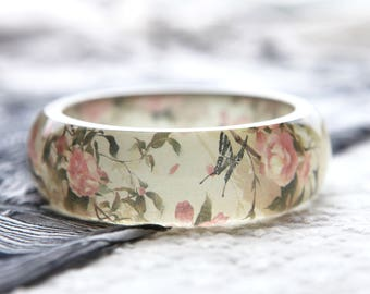 Resin bangle with embedded vintage style floral art