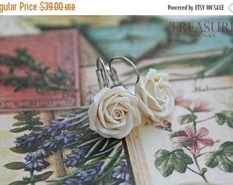 SALE Ivory rose earrings, rose earrings, ivory flower earrings, flower earrings, white rose earrings, white flower earrings, bridal