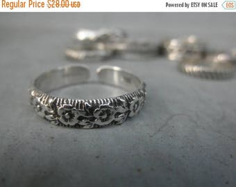 10%0FF Flower design sterling silver cuff ring