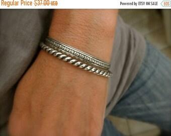 10%0FF Sterling silver tiny flower design Cuff bracelet