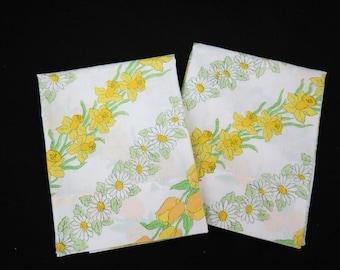 Cannon Monticello Pillowcase -  Cotton Poly Muslin Pillowcase - Daisy Daffodil Tulip Pillowcase - 1970s Pillowcases - Free Shipping - 6HTT17