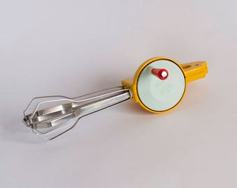 Retro Kitchen Mixer, Vintage Manual Mixer, Vintage Kitchen, Manual Whisk, Hand Blender, Yellow Manual Mixer, Vintage Egg Beater