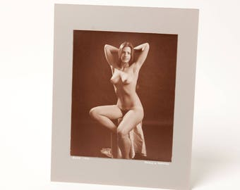 CLASSIC NUDE POSE - 1970's Original B&W Photograph - 8x10 mounted exihibit print - signed Arthur Perkins - mature