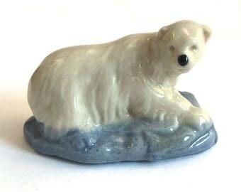 Wade Whimsie Whoppa: Polar Bear Figurine - 1976-81 - Whoppa Polar Bear - Wade Figurines - Wade Polar Bear - Whimsie Polar Bear - Wades
