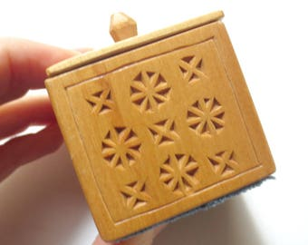 """Small Chip-Carved Wood Decorative Trinket/Ring Box, Handmade by C. Wade, 1987, 1.8"""" Tall"""