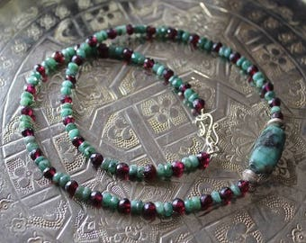 Silver necklace, Garnet gemstones and faceted emeralds