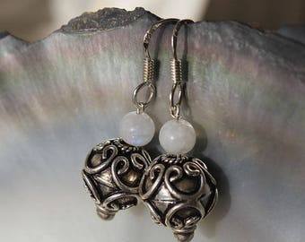 Earrings ethnic Moonstone and silver