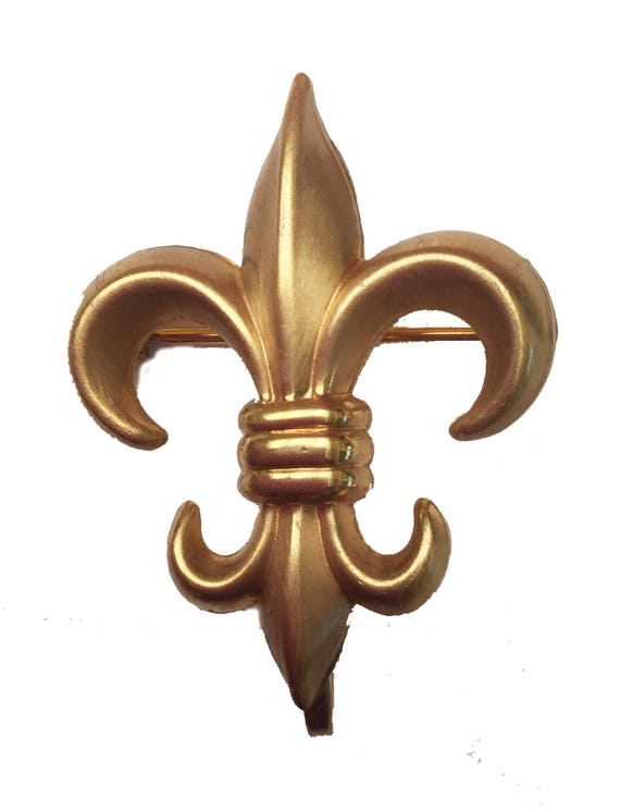 Gold Fleur De Lis  pin clip  - Signed 2 Winward 1/20 12 Kt Gf  - Gold Filled  brooch