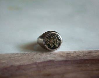 Queen Anne's Lace Signet Ring
