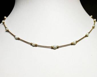 Delicate Gold Tone Baroque Pearl Necklace     16 Inch Serpentine Chain
