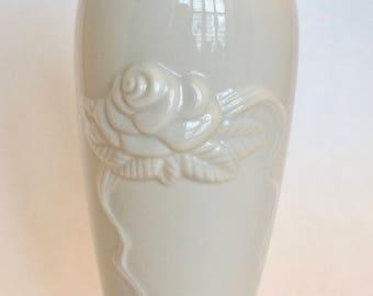 Lenox Bud Vase / VINTAGE LENOX Ivory Bud Vase Rose Blossom with 24 kt. Gold Trim / Lenox Porcelain Tall Bud Vase