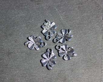 Lot 5 clover silver charms