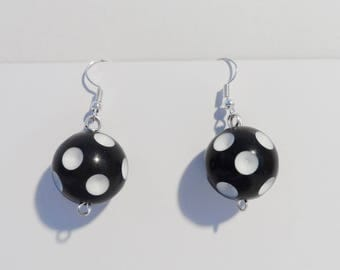 Retro pinup ball earrings