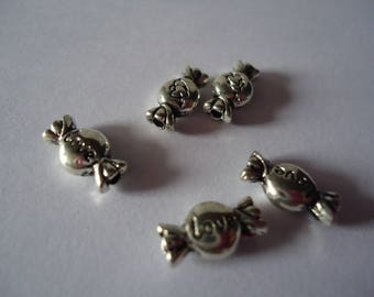 Set of candy in silver metal beads