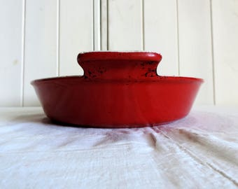 A vintage french Le Creuset cast iron roasting tray from the 1970s