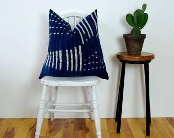 vintage indigo mudcloth pillow // indigo mudcloth cushion // indigo mud cloth pillow // boho pillow cover
