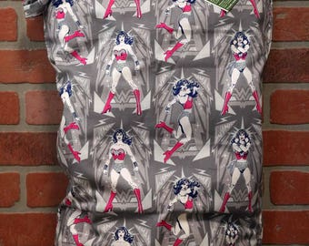 Wetbag, Wonder Woman, Cloth Diaper Storage, Diaper Pail Liner, Laundry Bag, Holds 20+ Diapers, Size XL with Handle #XL15