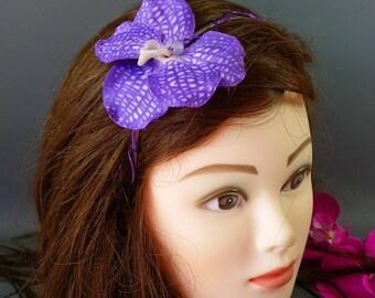 "Headband ""Wanda"" violet * colored thread twisted metal stand"