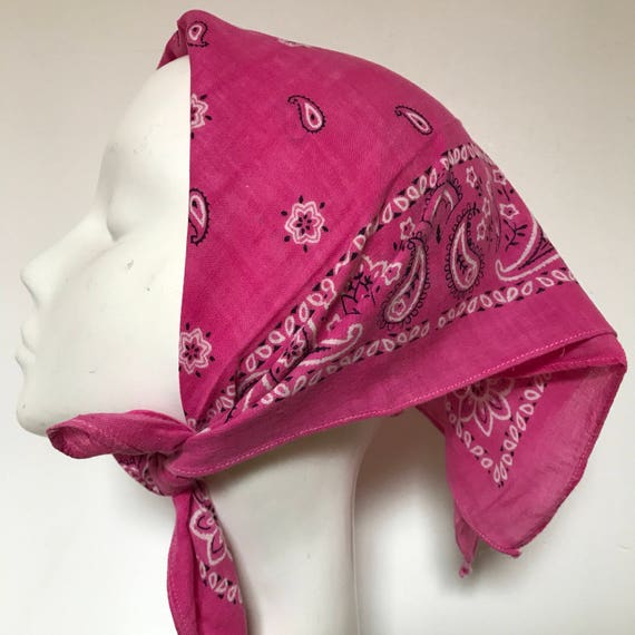 1950s paisley print vintage cotton scarf square pink cotton fucsia classic paisley design 1940s turban landgirl