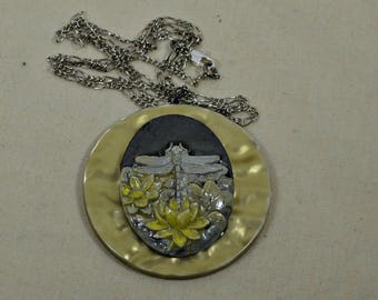 Dragonfly necklace silver and yellow