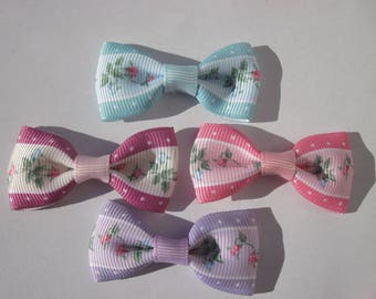 4 large bows flower 2.4 x 5 cm approx (A255