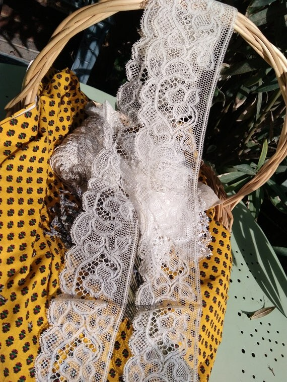 Large Antique French Unused Floral Lace Off White Cotton  Sewing Project Bridal Lace Collectible #sophieladydeparis