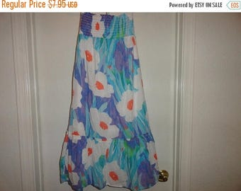 50% OFF Size 6 vintage dress 30 inch Bust 36 inch length