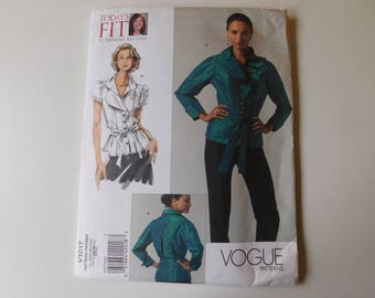 UNCUT Vogue Today's Fit Pattern #V1017 by Sandra Betzina Semi-fitted blouse All sizes Bust 32 to 55