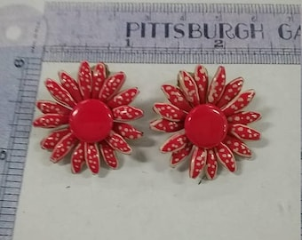 10% OFF 3 day sale Vintage used enamel clip earrings  red white