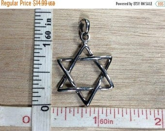 10% OFF 3 day sale Vintage 925 Sterling Silver 2.7g Star Of David Pendant Used