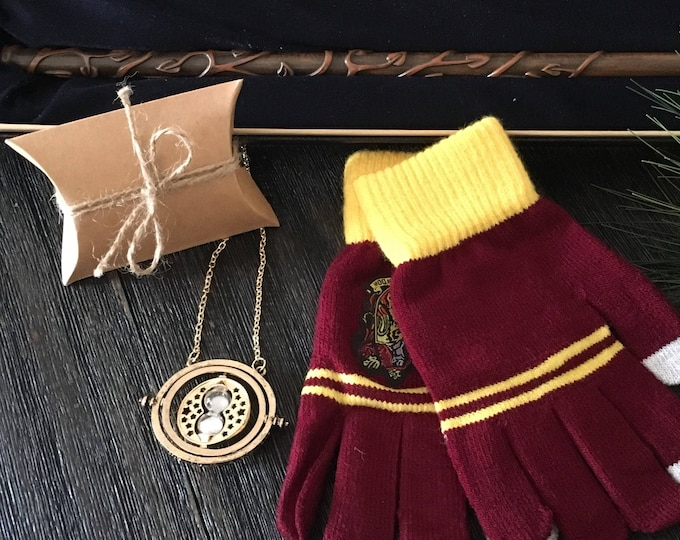 Wizard Gift Set - Wand, Hourglass Time Turner Necklace, & Texting Gloves - unofficial Harry Potter Merchandise  Cosplay