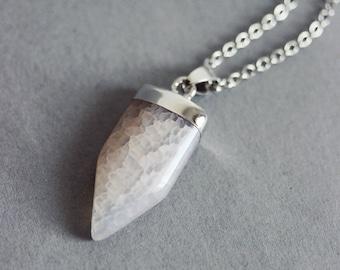 White Agate Necklace Agate Pendant Necklace Fang Necklace Gemstone Necklace Smoke Agate Necklace Stone Slice Necklace White Boho Necklace