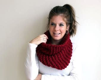 SALE Scarf Cowl Knit Chunky Cranberry- Sotterley Cowl
