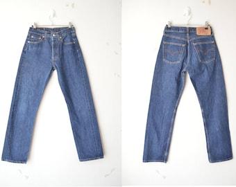 Levi's 501 dark blue high waist boyfriend jeans // W28 L30