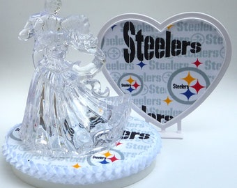 Wedding Cake Topper Pittsburgh Steelers Football Themed Clear Couple Dancing First Dance Bride Groom's Top Pretty Elegant Heart Turf Gift