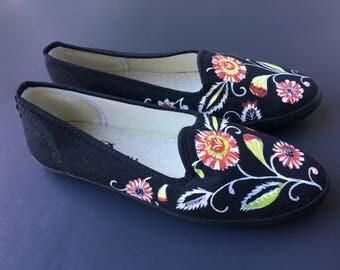 Size US 9.5-10 / EU 40 Hand Painted Canvas Shoes size Black Multi floral Motif