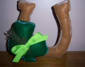 Primitive Folk Art Handcrafted St. Patrick's Day Horseshoe with Lucky Shamrock Shelf Sitter Wreath Adornment