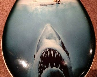 Jaws toilet seat cover