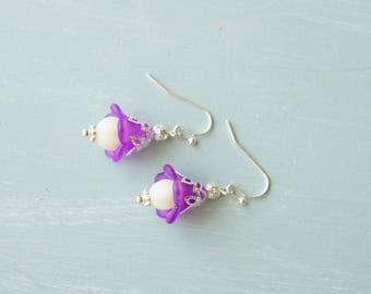 Earrings, White and purple pearl lucite flower dangle earrings