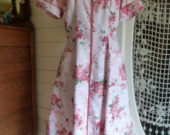 Vintage 40's 50's Floral Cotton House Day Dress