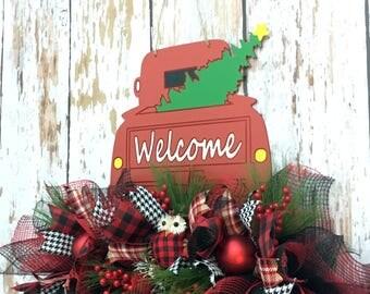 Christmas Red Truck, Christmas Red Truck Wreath, Truck Door Hanger, Vintage Truck Decor, Farmhouse Christmas Wreath, Door Decorations