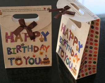 "2 pockets (ref:1174) ""Happy birthday to you"" gifts."