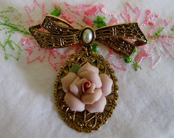 Brooch Pin Bow Dangle Pink Rose White Pearl Gold Tone Vintage