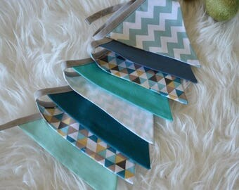 Garland deco 8 pennants 'WolF Blue PiK' - blue, mint, green, mustard, grey and black tip