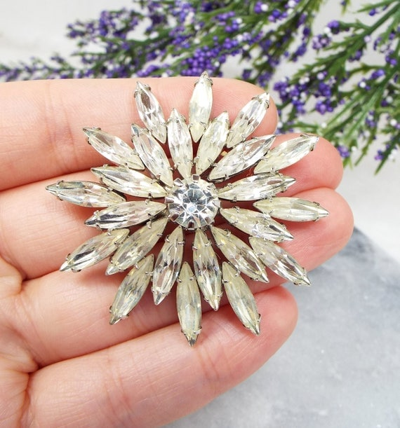 Vintage Art Deco Silver Sparkly Starburst Paste Crystal Brooch Pin / Flapper