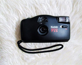 Vintage KODAK STAR 735 35MM Film Autowind Point and Shoot Camera with Camera Case